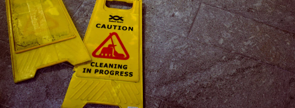 sell cleaning products online - cleaning sign